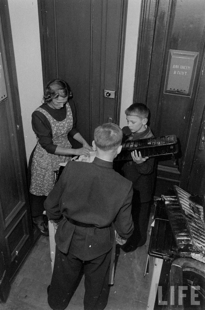 Жизнь рабочего в СССР 50-х (28)