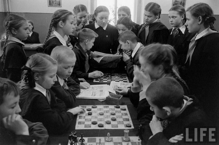 Жизнь рабочего в СССР 50-х (30)