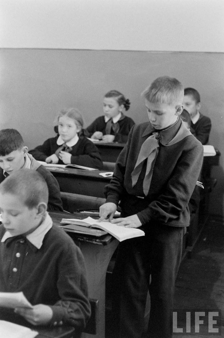 Жизнь рабочего в СССР 50-х (34)