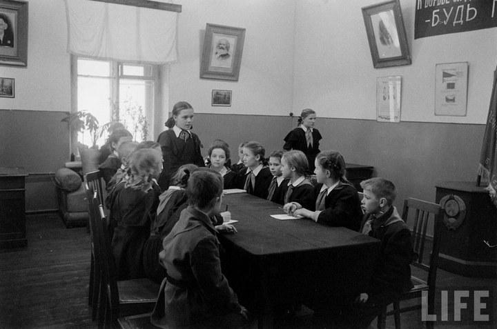 Жизнь рабочего в СССР 50-х (44)