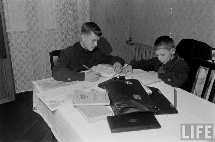 Жизнь рабочего в СССР 50-х (8)