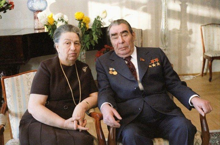 От Хрущевой до Путиной: как выглядели Первые Леди нашей страны (14)