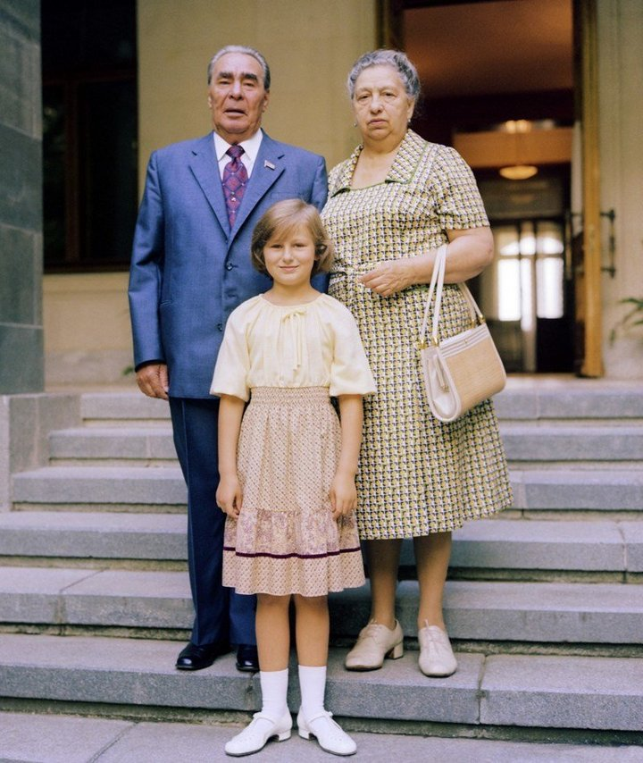 От Хрущевой до Путиной: как выглядели Первые Леди нашей страны (16)