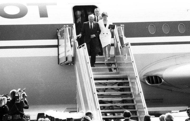 От Хрущевой до Путиной: как выглядели Первые Леди нашей страны (23)