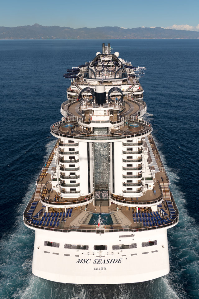 "Круизный лайнер ""MSC Seaside"" (2)"