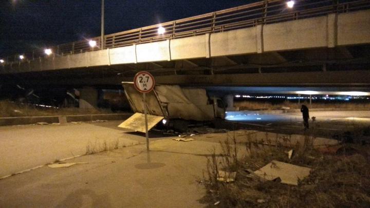 Петербургский мост и его коллекция невнимательных водителей (4)