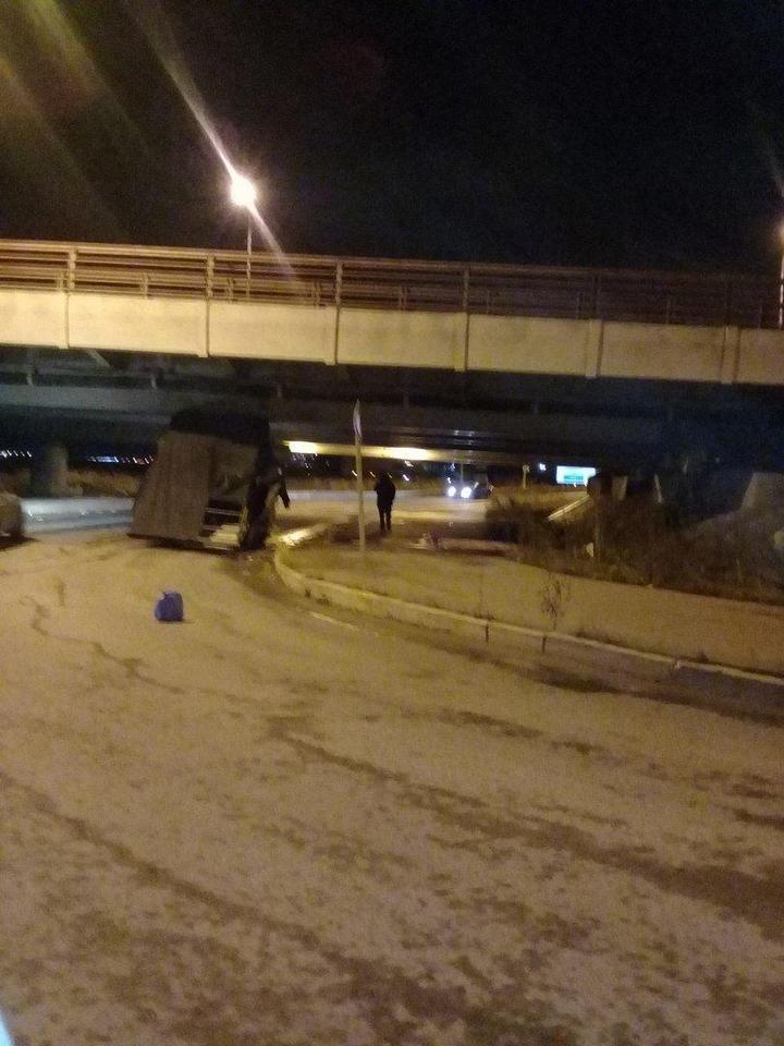 Петербургский мост и его коллекция невнимательных водителей (7)
