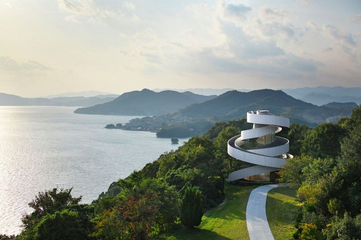 Необычный дворец бракосочетания в Японии (9)