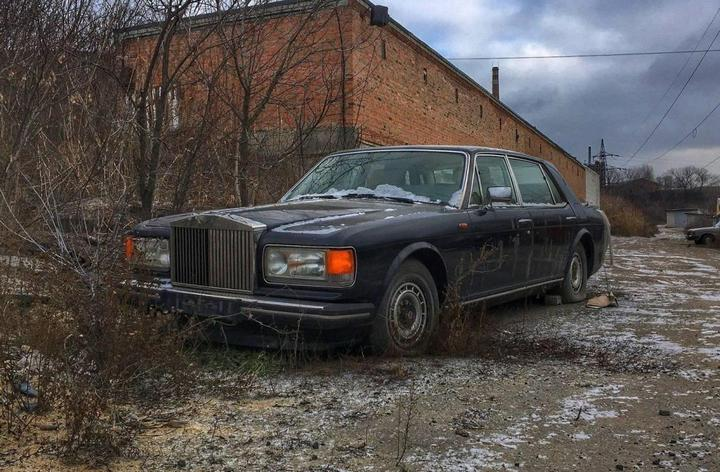 Заброшенный Rolls-Royce (1)