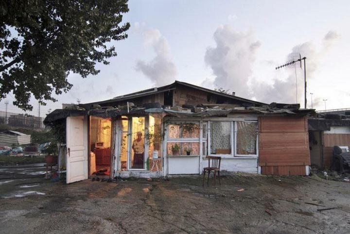 Цыганские жилища на окраинах Неаполя (11)