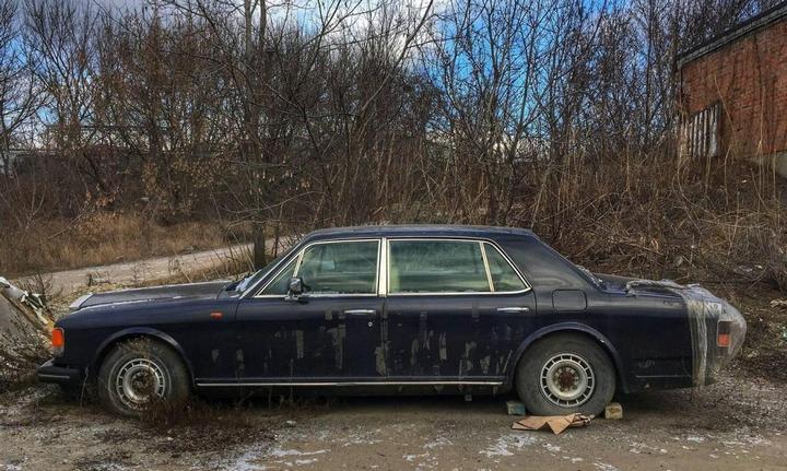 Заброшенный Rolls-Royce (5)