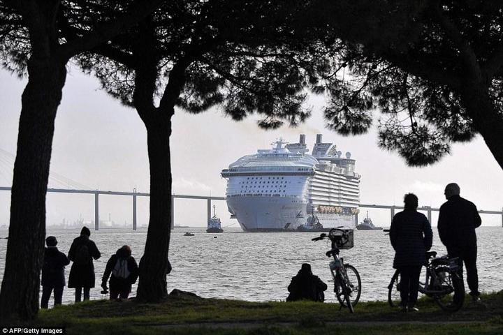 Самый большой круизный лайнер стоимостью один миллиард евро (16)
