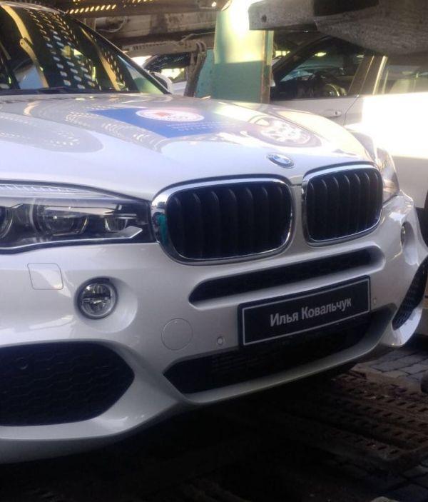 140 BMW на Красной площади ожидают российских медалистов Олимпиады (1)