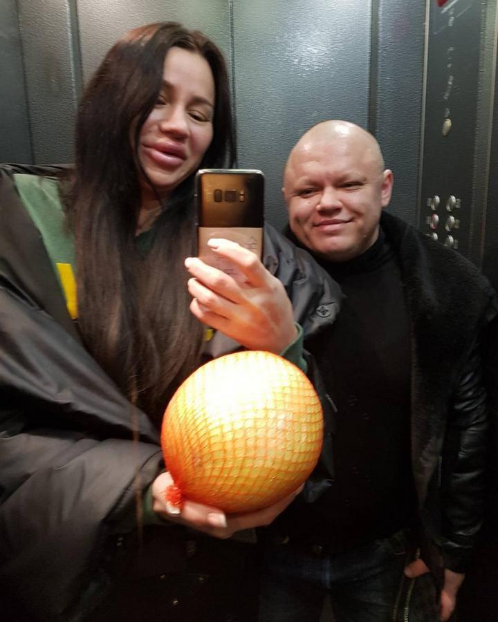 Анна Тураева и ее девушка (7)