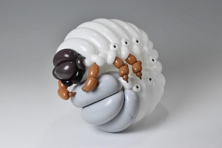 Удивительные фигуры из воздушных шаров (6)