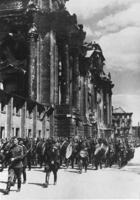 Уникальные снимки Второй Мировой Войны (10)