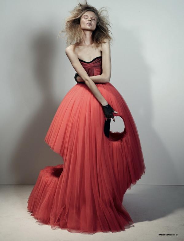 a39b556c7e6 Необычные платья от Viktor   Rolf… (6 фото)
