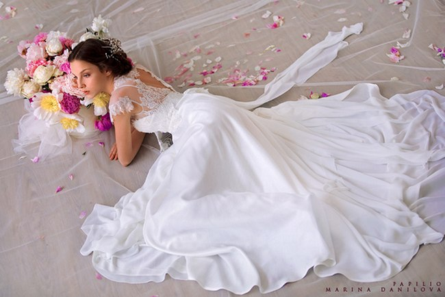 Красивые свадебные платья фото 2012, различные стили свадебных платьев короткие, пышные, необычные (4)