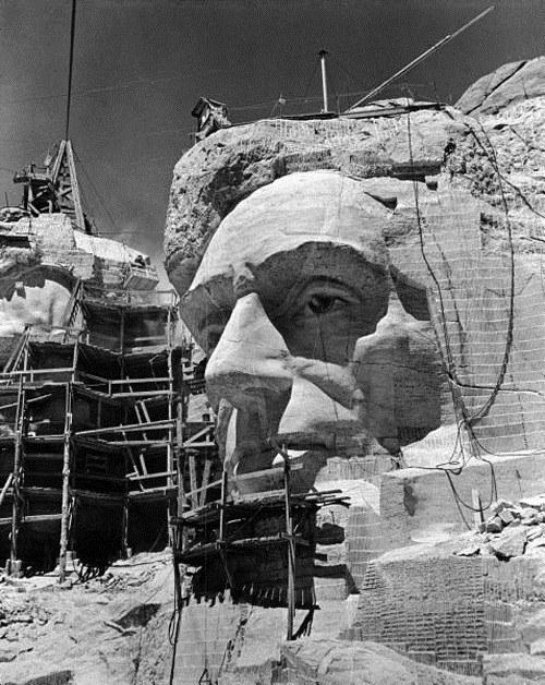 Как строили национальный мемориал гора Рашмор (10)