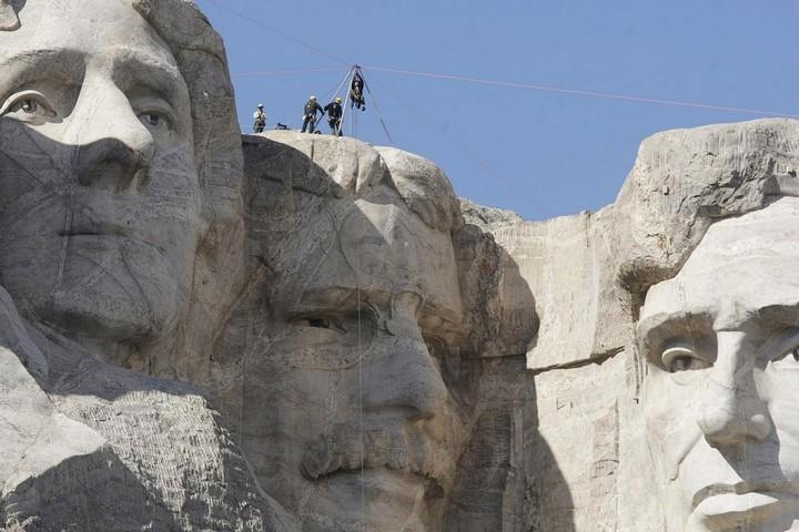 Как строили национальный мемориал гора Рашмор (28)