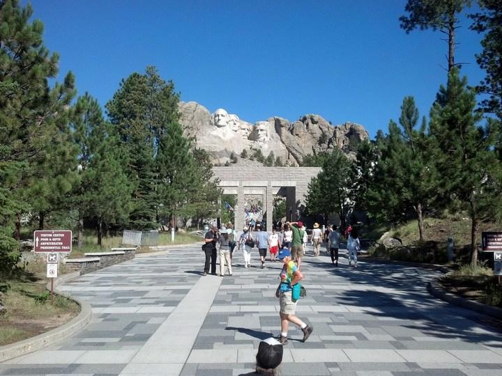 Как строили национальный мемориал гора Рашмор (31)