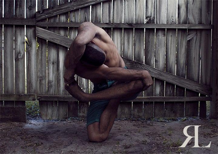 Невероятные позы танцора RubberLegz (23)