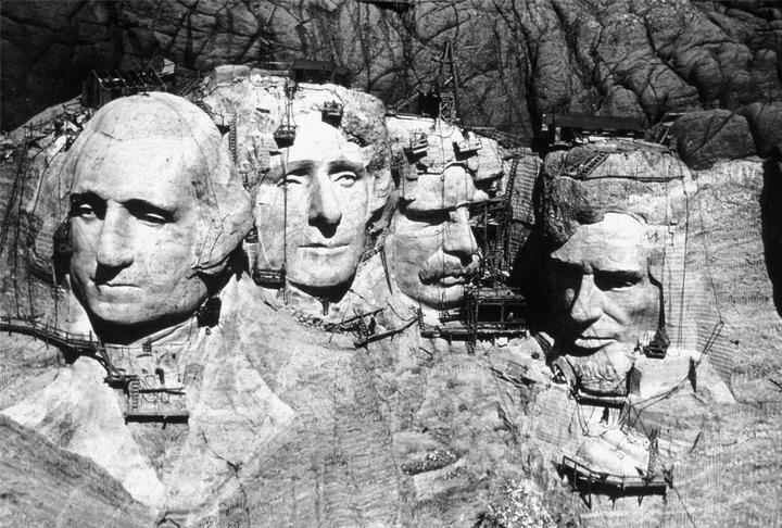 Как строили национальный мемориал гора Рашмор (7)