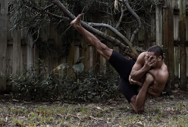 Невероятные позы танцора RubberLegz (14)