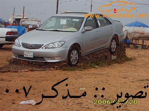 Машины на камнях. Необычное развлечение арабов (11)