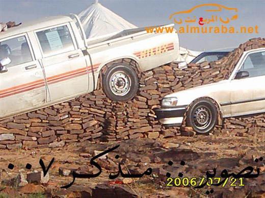 Машины на камнях. Необычное развлечение арабов (13)
