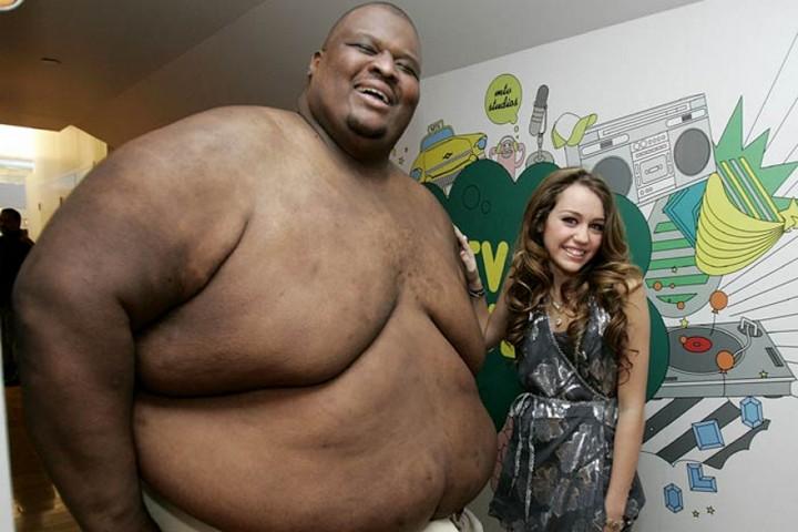 самый тяжелый сумоист в мире, самый большой спортсмен в мире, большой человек (2)