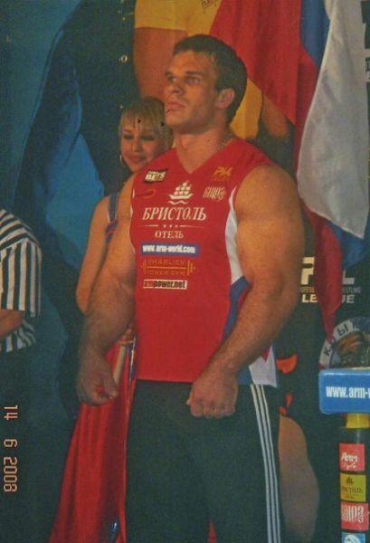 Чемпион по армреслингу Денис Цыпленков (10)