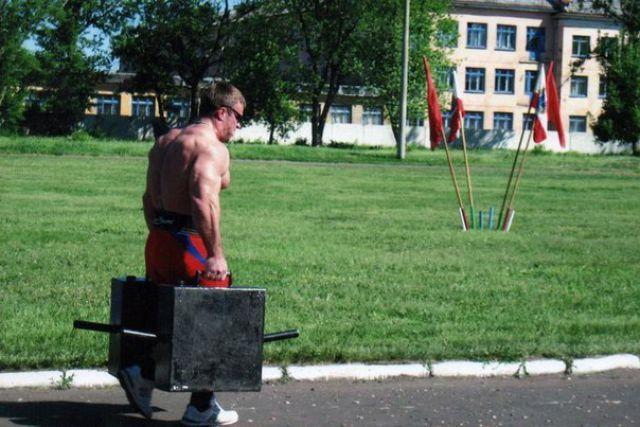 Чемпион по армреслингу Денис Цыпленков (16)