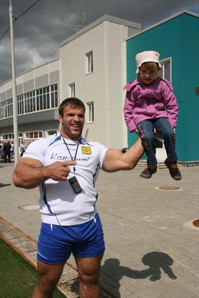 Чемпион по армреслингу Денис Цыпленков (17)