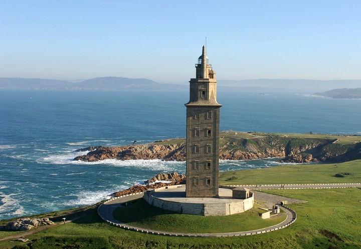 самый древний и старый маяк в мире (2)