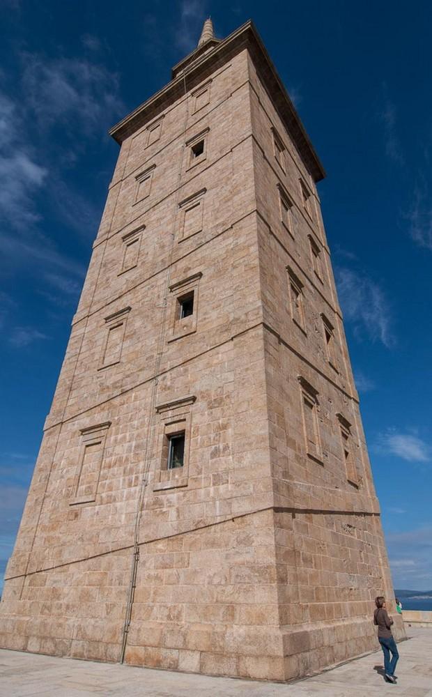 самый древний и старый маяк в мире (3)