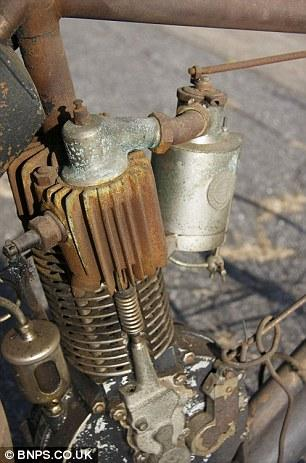 """""""Camelback 1906"""" - самый старый мотоцикл в мире (4)"""
