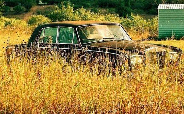 Брошенные дорогие автомобили в Дубае, редкие автомобили (38)