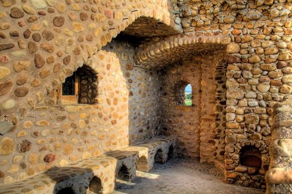 Человек построивший замок в одиночку в Испании (3)