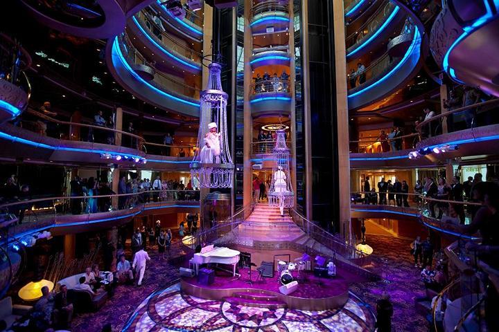 Роскошный круизный корабль Quantum of The Seas, новый круизный лайнер (6)