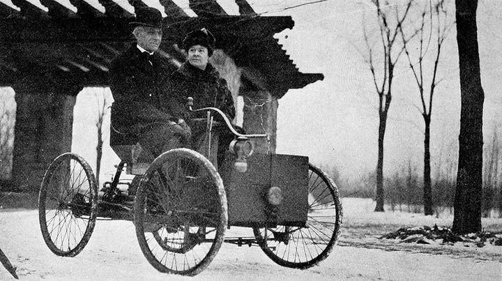 Первый автомобиль Генри Форда, Генри Форд с женой