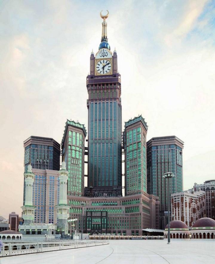 """Огромная башня с часами в Саудовской Аравии — """"Makkah Clock Royal Tower"""", мега стройка (2)"""