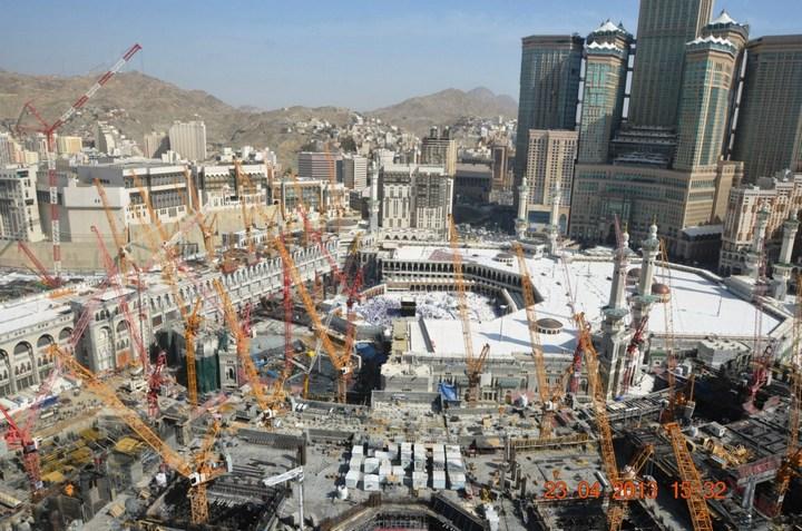 """Огромная башня с часами в Саудовской Аравии — """"Makkah Clock Royal Tower"""", мега стройка (3)"""