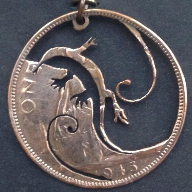 Красивые кулоны из старых монет (6)