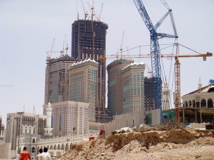 """Огромная башня с часами в Саудовской Аравии — """"Makkah Clock Royal Tower"""", мега стройка (6)"""