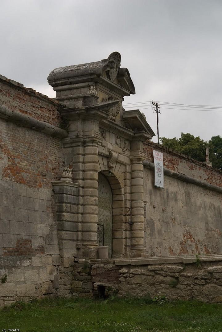 Старый заброшенный замок в Украине. Абандон. Подгорецкий замок (7)