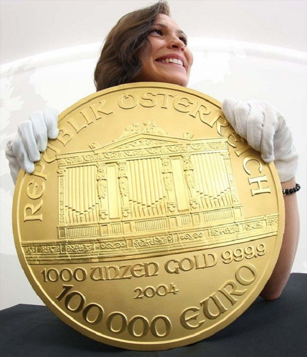 Самая большая золотая монета в мире 100000 евро