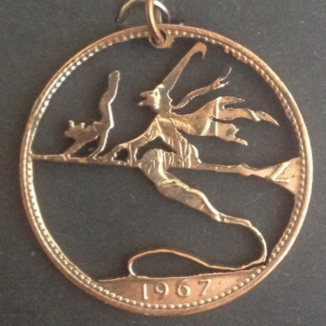 Красивые кулоны из старых монет (12)