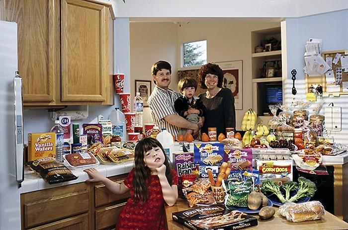 Что съедают семьи из 15 стран мира за неделю (5)