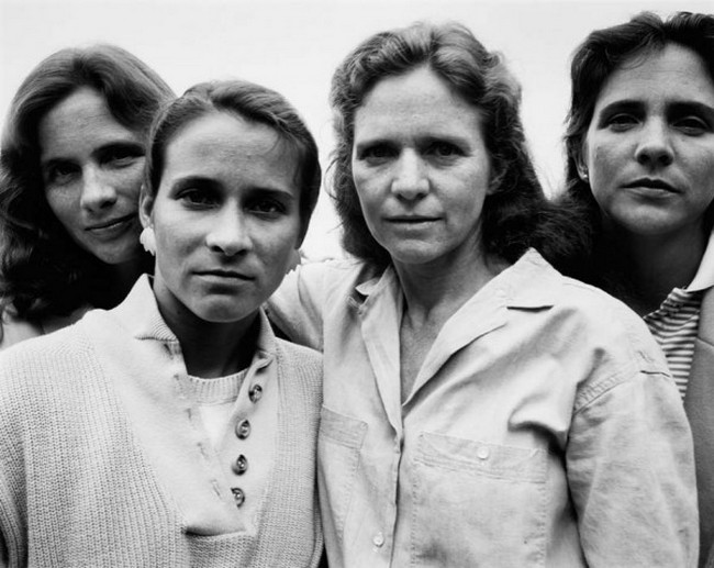 каждый год по фото, как стареют люди, четыре сестры (13)